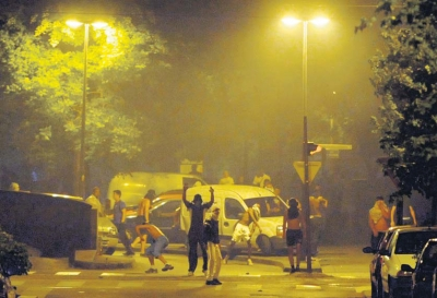 Dans le quartier de la Villeneuve, à Grenoble, le 17 juillet 2010, deux jours après la mort de Karim Boudouda.