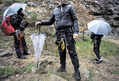 Le 29 novembre, sur le site d'escalade de la Mer de glace, à Villevocance.