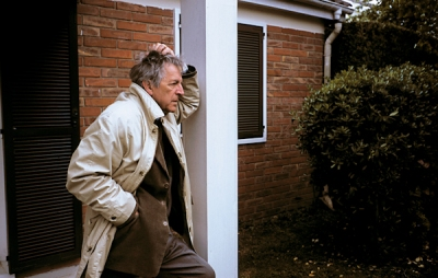 Costa-Gavras sur le tournage du Couperet, en 2002 (DR).