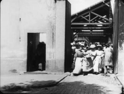La Sortie d'Usine (1895).