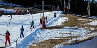 Une station de ski des Alpes, en décembre 2015 (Jean-Pierre Clatot / AFP).